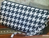 Houndstooth Wristlet - Zippered Pouch - Wallet - OOAK - Ready to Ship