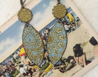 """Tin Jewelry Earrings """"Endless Summer"""" Tin for the Ten Year Tenth Wedding Anniversary"""