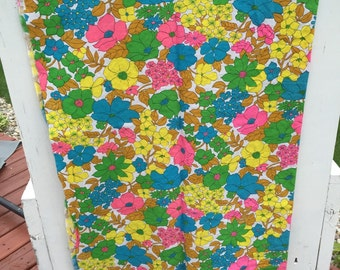 retro fabric, fabric, vintage, retro, flower power, floral, bright, bold,
