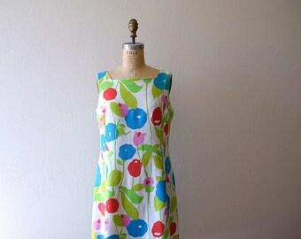 50% SALE . Vintage floral linen dress . 1960s sleeveless dress