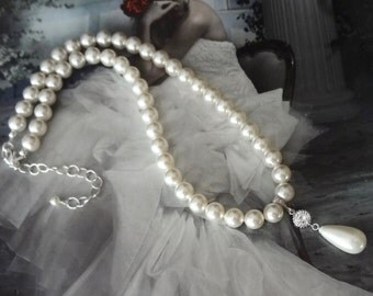 Brides pearl necklace ~ Swarovski pearl necklace ~ Pearl pendant ~ Wedding necklace ~ Classic pearl necklace ~ Wedding jewelry ~