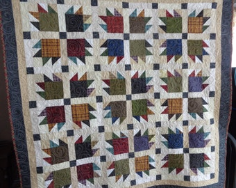 Bear Paw Quilt, Bears Wear Plaid, Large Quilt, Country Quilt 0208-02