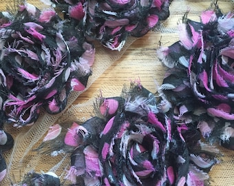 By the Yard- Black and Pink Heart Shabby Flowers/Shabby Trim/Shabby Chic --full yard approx. 14 flowers. -1/2 yard, approx. 7 flowers
