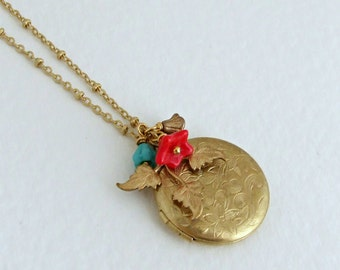 Floral Locket  .. locket, brass, vintage style locket, etched locket, small locket