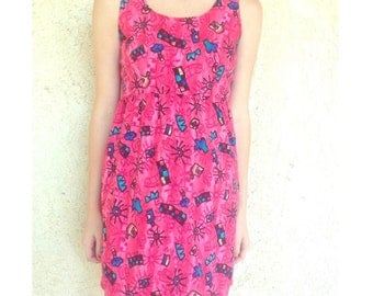 1990s Pink dress with cartoon graphics size small