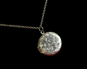Antiqued Silver Floral Locket, Round Silver Flower Locket, Silver Plated Locket Pendant Necklace