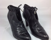 Marc Jacobs designer Bad Biker Babe Black Ankle Booties 8.5 kitten ruffle