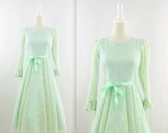 ON SALE Vintage Sweet Mint Lace Dress - 1950s 60s Tea Length Party Dress w/ Circle Skirt - XSmall