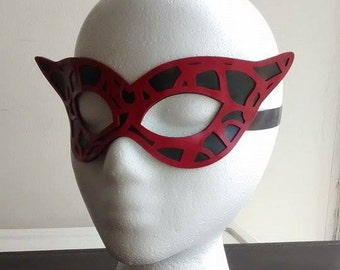 MASQUE lace latex masquerade mask red black
