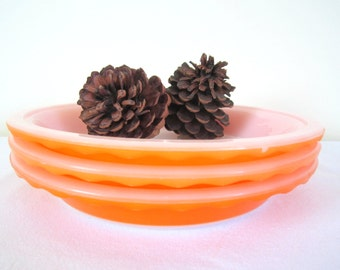RETRO CROWN Pyrex pie plates - set of 3, bright orange, fluted, pie crust