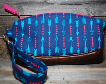 Zippered Wristlet, Zippered Clutch, Clematis Wristlet, Arrows, blue and pink