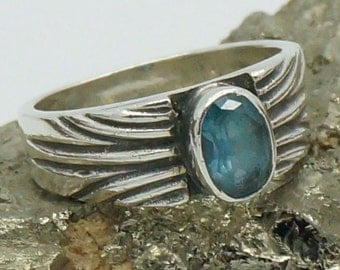 Vintage BLUE TOPAZ 100 % 925 Sterling Silver RING Sz 7