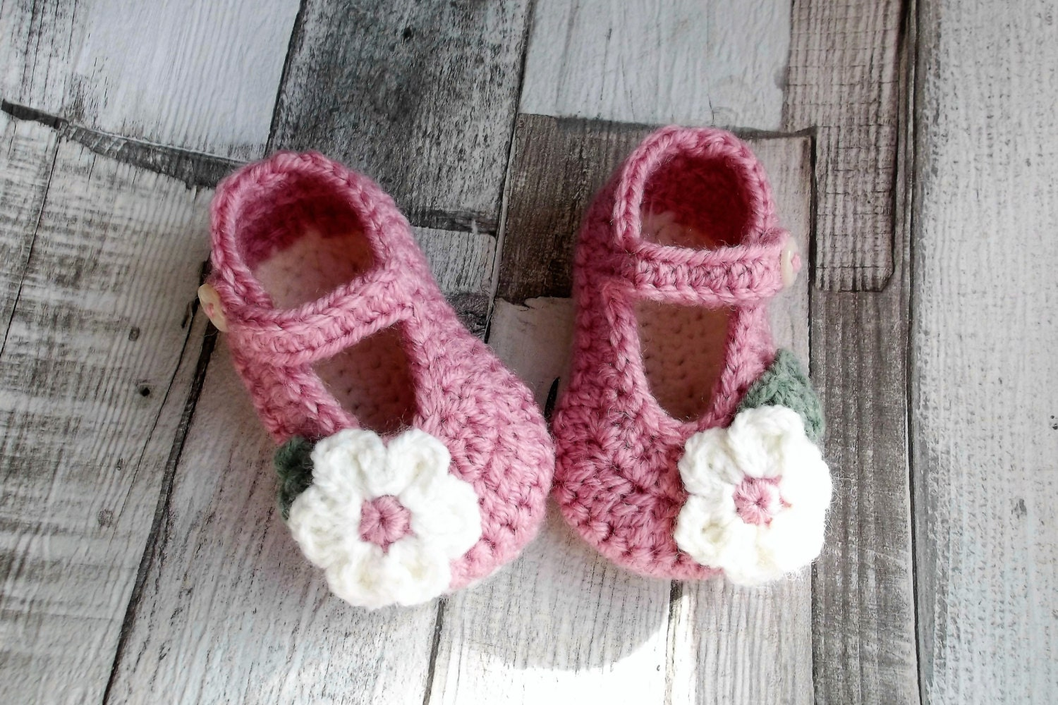 crochet baby shoes crochet Mary Janes dusky pink baby shoes
