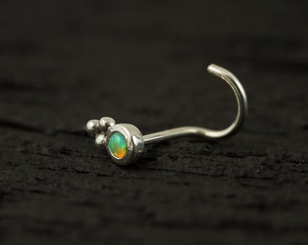 Lime Green Opal bazel set with trinity balls nose stud / nose screw / nose ring