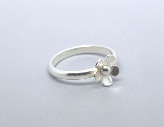 Silver Flower Ring - Sterling Silver 925 Ditsy Daisy Sterling Silver Stacking Ring Small Daisy Handmade
