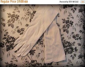 ON SALE Vintage Womens White Nylon Dress Bridal Gloves Mid Length Petal Detail