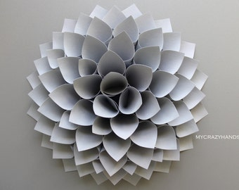 paper dahlia . 10 1/8'' dahlia wall decor. origami flower . wedding gift . . origami gifts. dahlia door wreath -texture silver gray