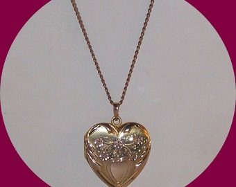 Vintage 10K yellow Gold, Finberg Etched Heart Locket Necklace marked FMCO.