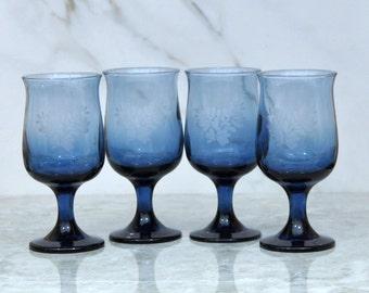 Vintage Pfaltzgraff Yorktowne Blue Etched 8 Oz Goblets, Water Goblets, 4 glasses, Blue Stemware, Blue Goblets, Stemware, Barware Glass