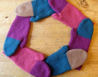 Made To Order - Pair of Mittens for Women - Choose your own colours