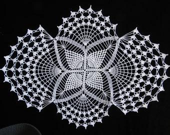 Crochet 26 x 20 inch white oval doily