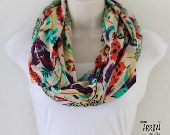 Multi Colored Feathers Print Onion Skin Knit Infinity Scarf, Double Wrap Around Scarf, Loop Scarf