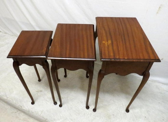 Nesting Snack Tables ~ Vintage antique mahogany nest of tables nesting snack
