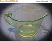 20% Heart Sale Vintage Depression Green Glass Measuring Cup , 2 Cup 1 Pint Pt Size -Uranium