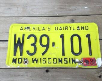 Wisconsin America's Dairyland/86 Vintage Wisconsin License Plate/Metal Wisconsin Home Decor
