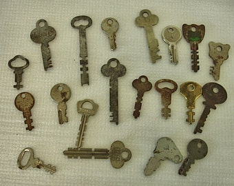 Vintage Lot of 20 Flat Keys Rustic Keys Crafts Altered Art Mix Media Steampunk Lot no. 54