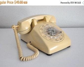 ON SALE Vintage Beige Rotary Phone Telephone ITT