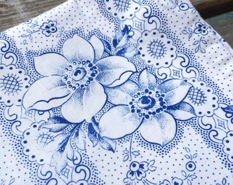 Pretty Romantic Vintage Fabric 1930s 40s Pillowcase