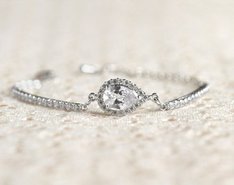 Teardrop Bracelet - Cubic Zirconia Crystal - Bridal Jewelry - Bridesmaid Gift, Wedding Jewelry, Bridesmaid Bracelet, Teardrop Jewelry