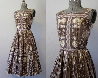 1950's Brown and Yellow Rose Print Dress / Size Small