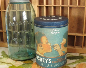"Hershey's Kisses Vintage Milk Chocolate Candy Tin 1980 ""A Kiss for You"""