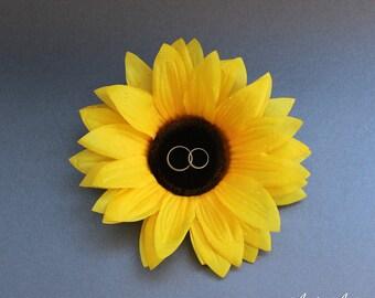 Sunflower Wedding Ring Bearer, Sunflower Ring Holder, Rustic Wedding Ring Pillow, Summer Wedding, Flower Ring Bearer, Wedding Ring Holder