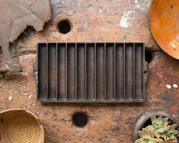 Vintage home decor 1920 39 s original cast iron baking for Home decor 1920s