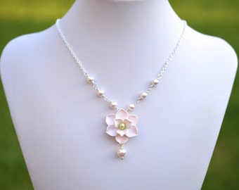 Magnolia and Pearls Centered Necklace.