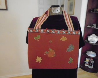 Home Made Tote Bag / By Dolores Minor