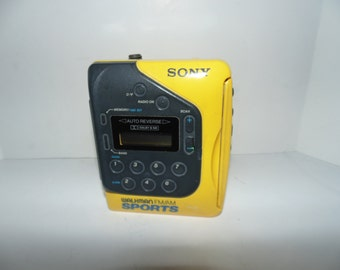 Vintage Sony Walkman FM/AM Sports Cassette Player  WM F2078 Tested & Works