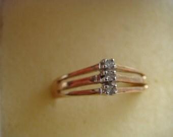 10k Gold Ring w Diamonds
