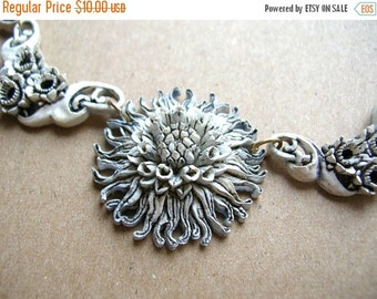 SALE Vintage Scalloped Celluloid Necklace - Dandelion Flower Necklace