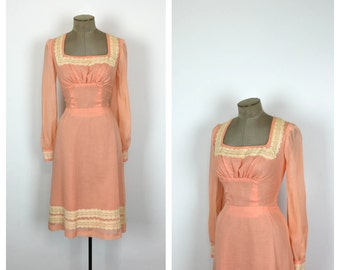 60s Peach and Cream Sheath Dress • 1960s Long Sleeve Cotton Day Dress • Medium • Large