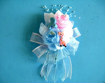 Unisex baby shower corsage, Corsage for a mom to be, Wearable floral corsage, Pink and blue baby corsage, Corsage for pregnant women (W127)
