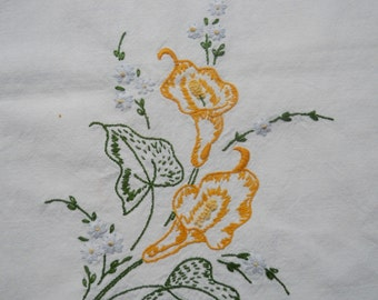 Vintage Table Runner, Embroidered Calla Lillies, Beautiful