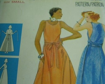 Vintage 1970's Butterick 4824 Wrapped Dress Sewing Pattern, Size Small, Bust 31 1/2 - 32 1/2