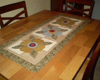 POSY TRIO Table Runner Pattern