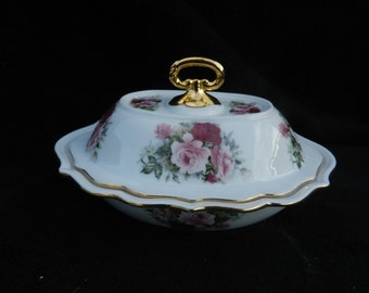 Hand Decorated: Porcelain casserole / candy dish