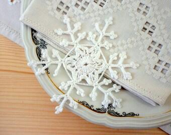 Crochet snowflake, White snowflake set, Christmas snowflake ornaments, lace snowflake decoration, Wall hanging, Christmas tree ornament