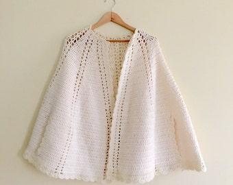 Vintage 60s Ivory Cape // Retro Winter White Cape // Scalloped Edge Sweater //  One size - 1960s